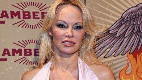 PHOTOS Pamela Anderson TRÈS décolletée, elle retrouve son ex-partenaire pour une danse torride