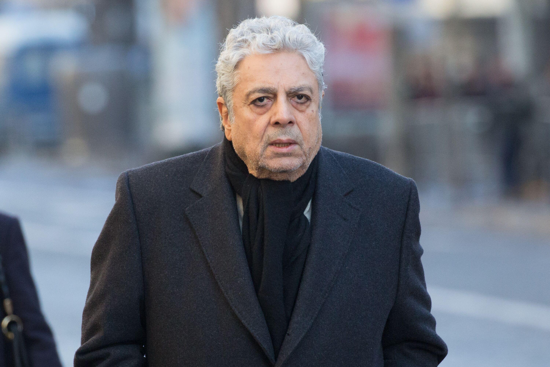 Enrico Macias : ses confidences bouleversantes sur la mort de sa femme Suzy - Voici