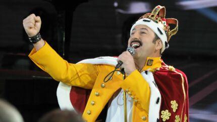 César 2019: l'incroyable entrée en scène de Kad Merad déguisé en Freddie Mercury