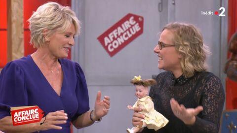 VIDEO Sophie Davant perd tous ses moyens devant la coupe très spéciale d'une poupée