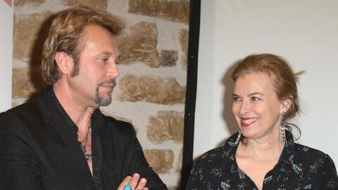 PHOTOS Mais où était donc Valérie Trierweiler pour tomber sur un sosie professionnel de Johnny Hallyday?