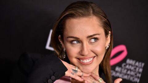 PHOTO Miley Cyrus s'affiche entièrement nue durant sa séance de bronzette