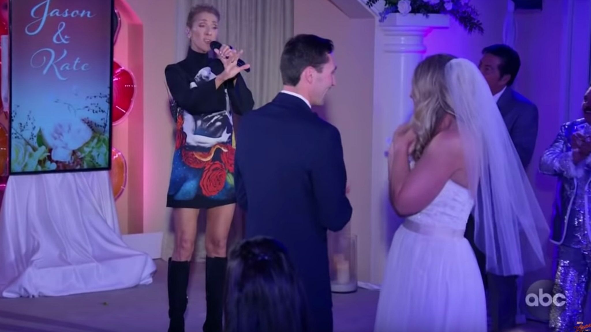 Céline Dion s\u0027invite par surprise à un mariage à Las Vegas
