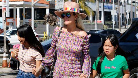 Jade Hallyday tout sourire avec sa mère Laeticia et sa sœur Joy au Vietnam