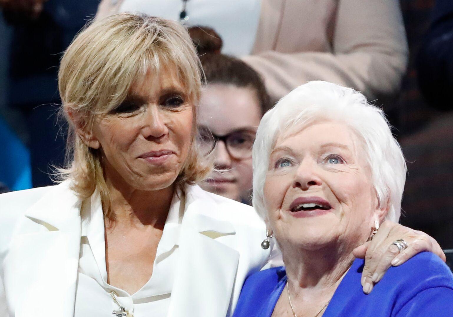 Line Renaud hospitalisée : Brigitte Macron s'est rendue deux fois à son chevet