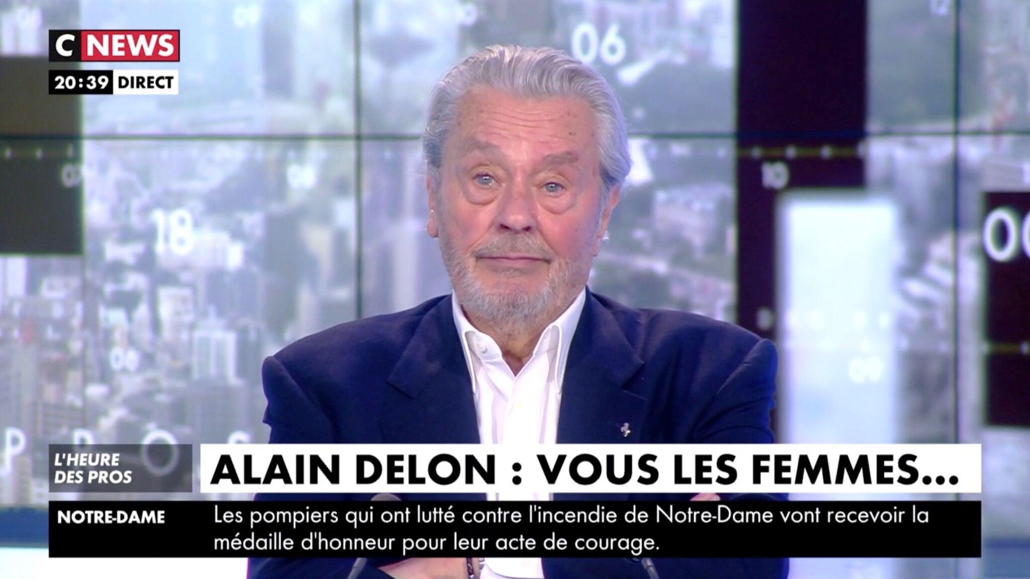 VIDEO Alain Delon bouleversé en entendant Dalida chanter, il exprime son plus grand regret
