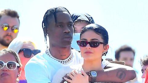 PHOTOS Kylie Jenner et Travis Scott: très amoureux à Coachella pendant le show de Kanye West