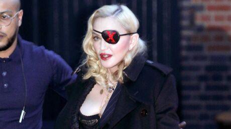 PHOTOS Madonna en body et collants résille: elle dévoile un décolleté pigeonnant