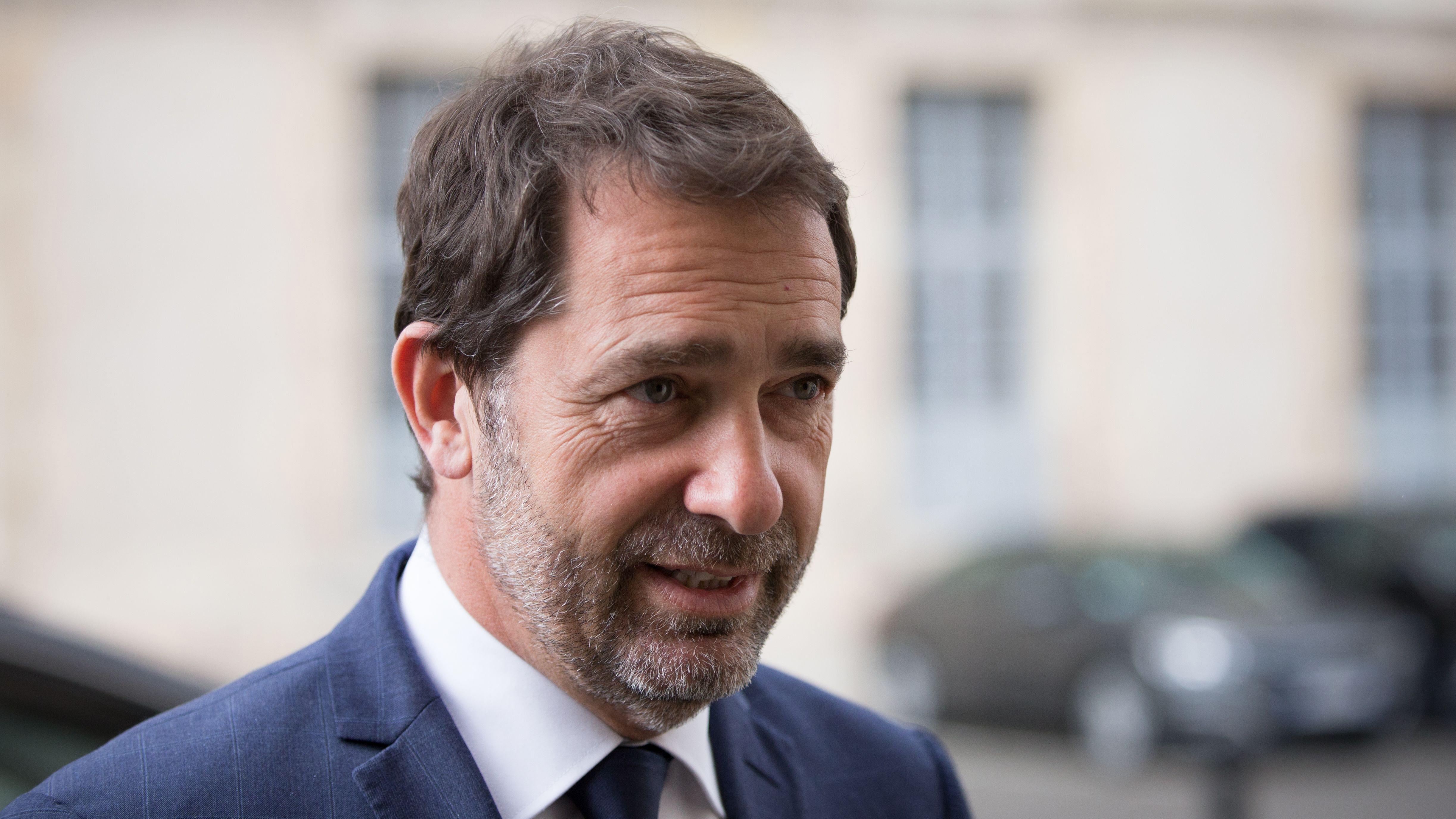 VIDEO Christophe Castaner pas très intéressé par le discours d'Emmanuel Macron? Il répond