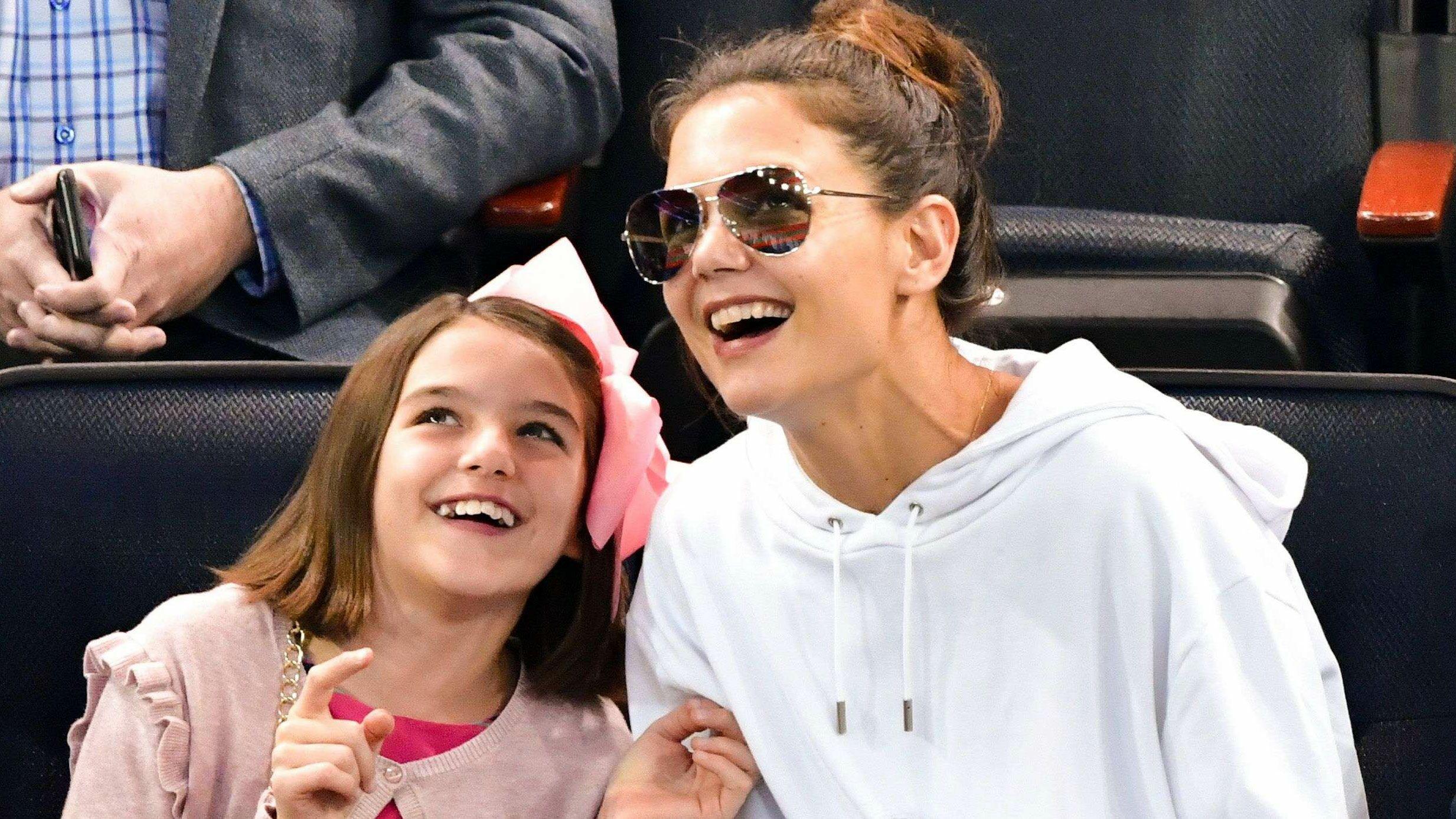 Suri Cruise : découvrez le TRÈS LUXUEUX anniversaire que lui a offert Katie Holmes