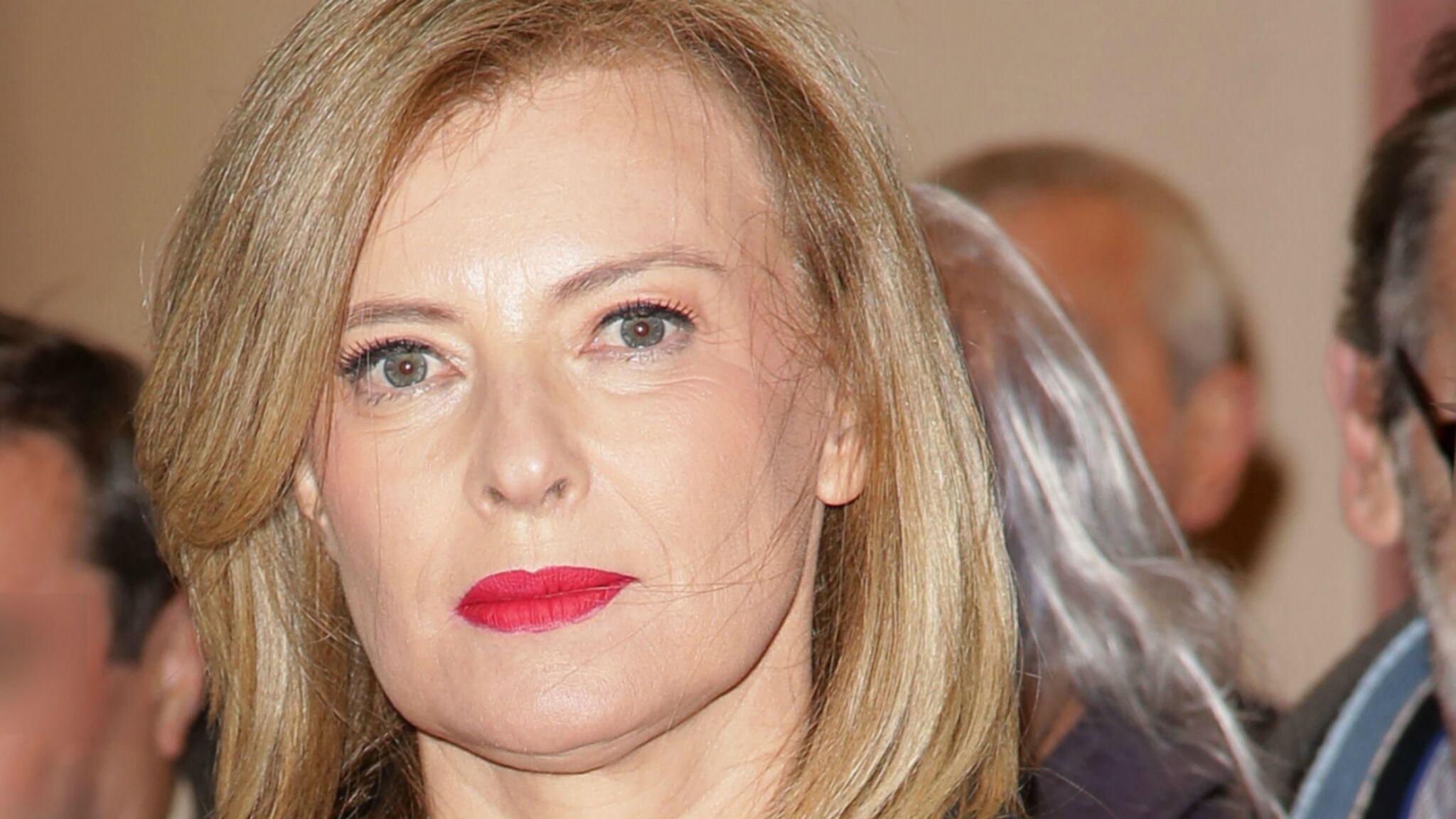 Valérie Trierweiler en deuil et effondrée : son « président » est décédé