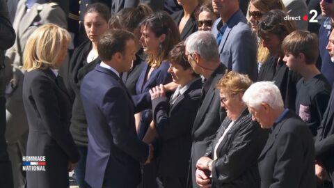VIDEO Emmanuel Macron: la mère d'un soldat l'a repoussé lors de l'hommage, découvrez pourquoi