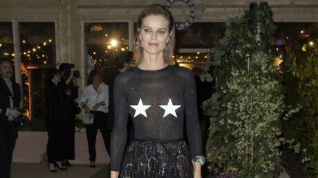 PHOTOS Cannes 2019: Eva Herzigova dévoile toute sa poitrine au dîner Dior et Vogue