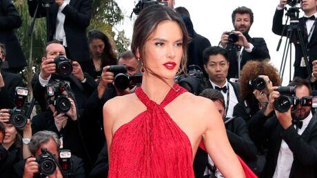 PHOTOS Cannes 2019: Alessandra Ambrosio dévoile sa culotte dans une robe rouge à tomber