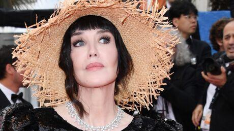 Cannes 2019 Isabelle Adjani et son chapeau de paille sur les Marches de La belle époque