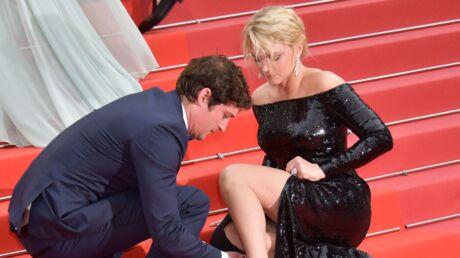 PHOTOS Festival de Cannes 2019: Virginie Efira en grosse galère, Niels Schneider vole à son secours