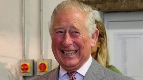 PHOTO Prince Charles: un cliché de lui au couronnement de sa mère fait rire tout le monde