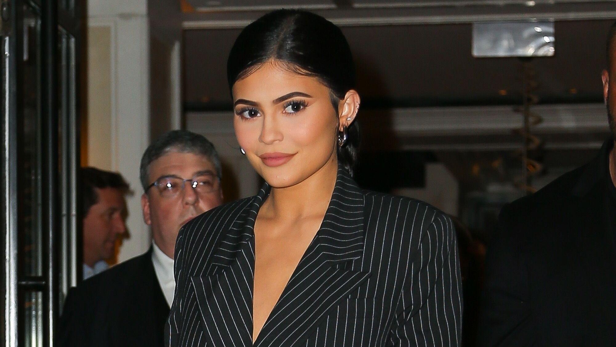 Kylie Jenner : sa soirée en boîte de nuit avec trois ex de ses sœurs
