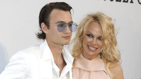 PHOTO Pamela Anderson sexy en maillot de bain, son fils Brandon est impressionné