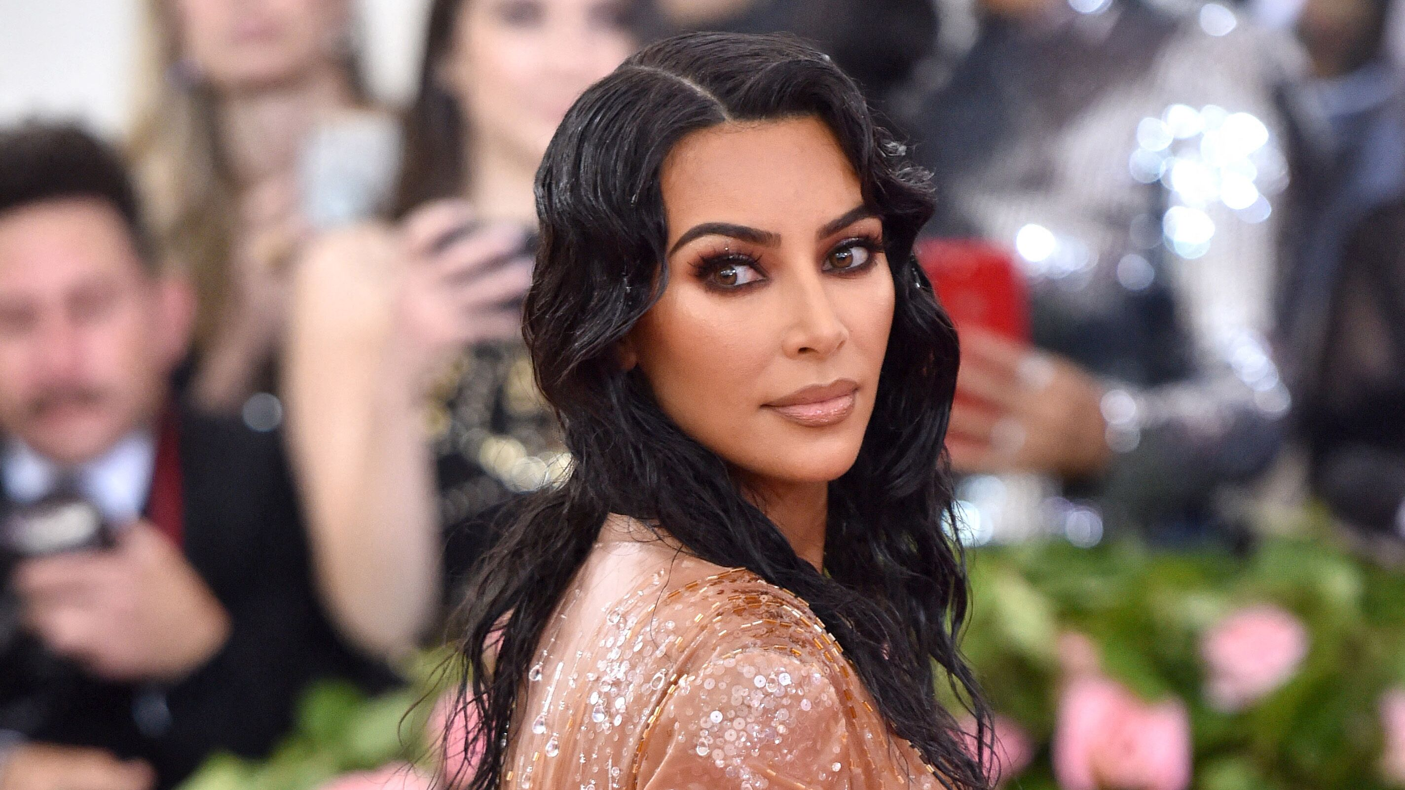 PHOTO Kim Kardashian : son fils Saint déjà très protecteur avec le petit Psalm
