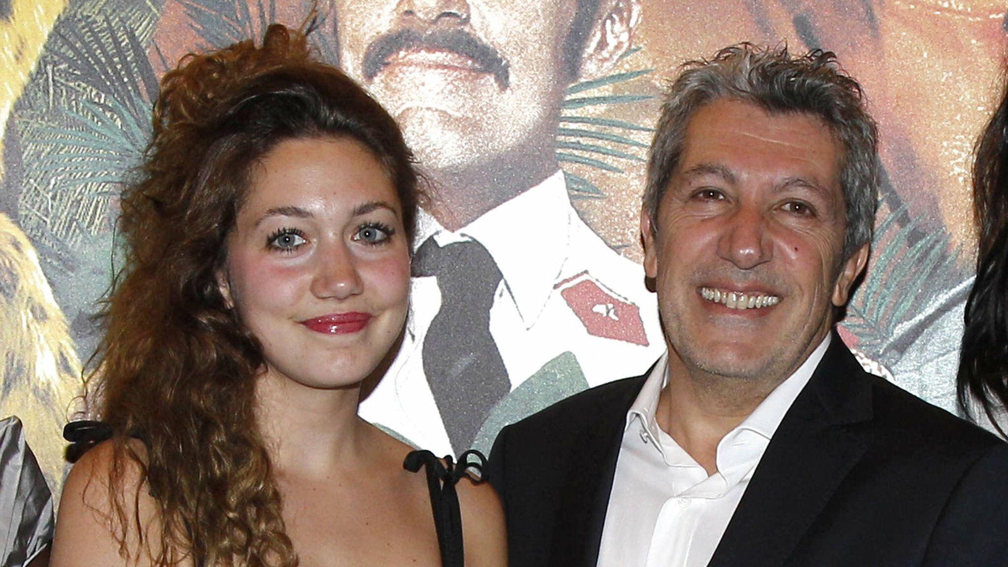 PHOTOS Alain Chabat : sa fille Louise se dévoile dans une tenue entièrement transparente