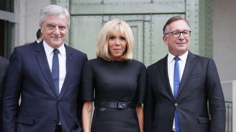 PHOTOS Hommage à Karl Lagerfeld: Brigitte Macron retrouve Carla Bruni
