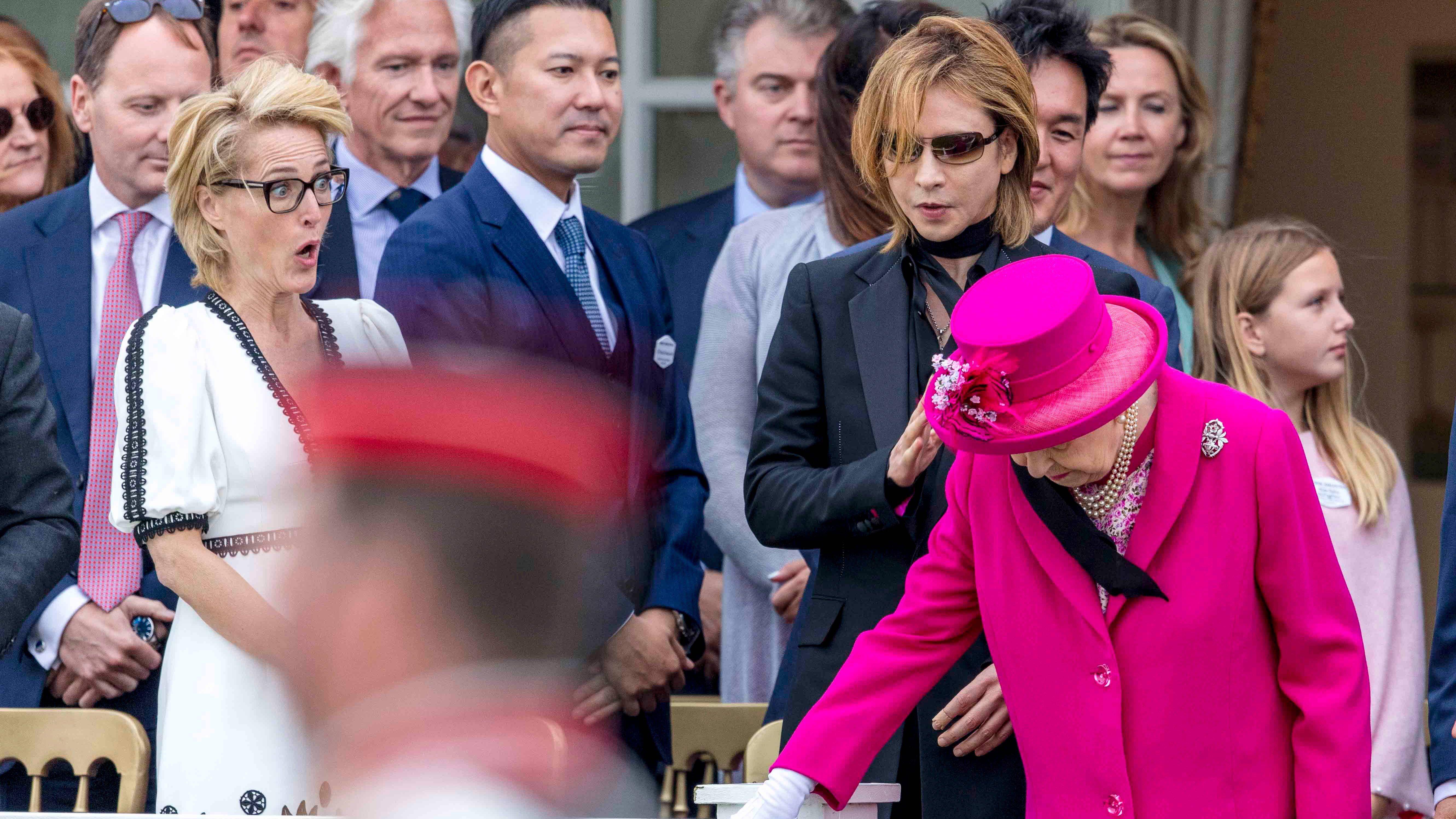 Elizabeth II : ce petit accident qui a horrifié Gillian Anderson