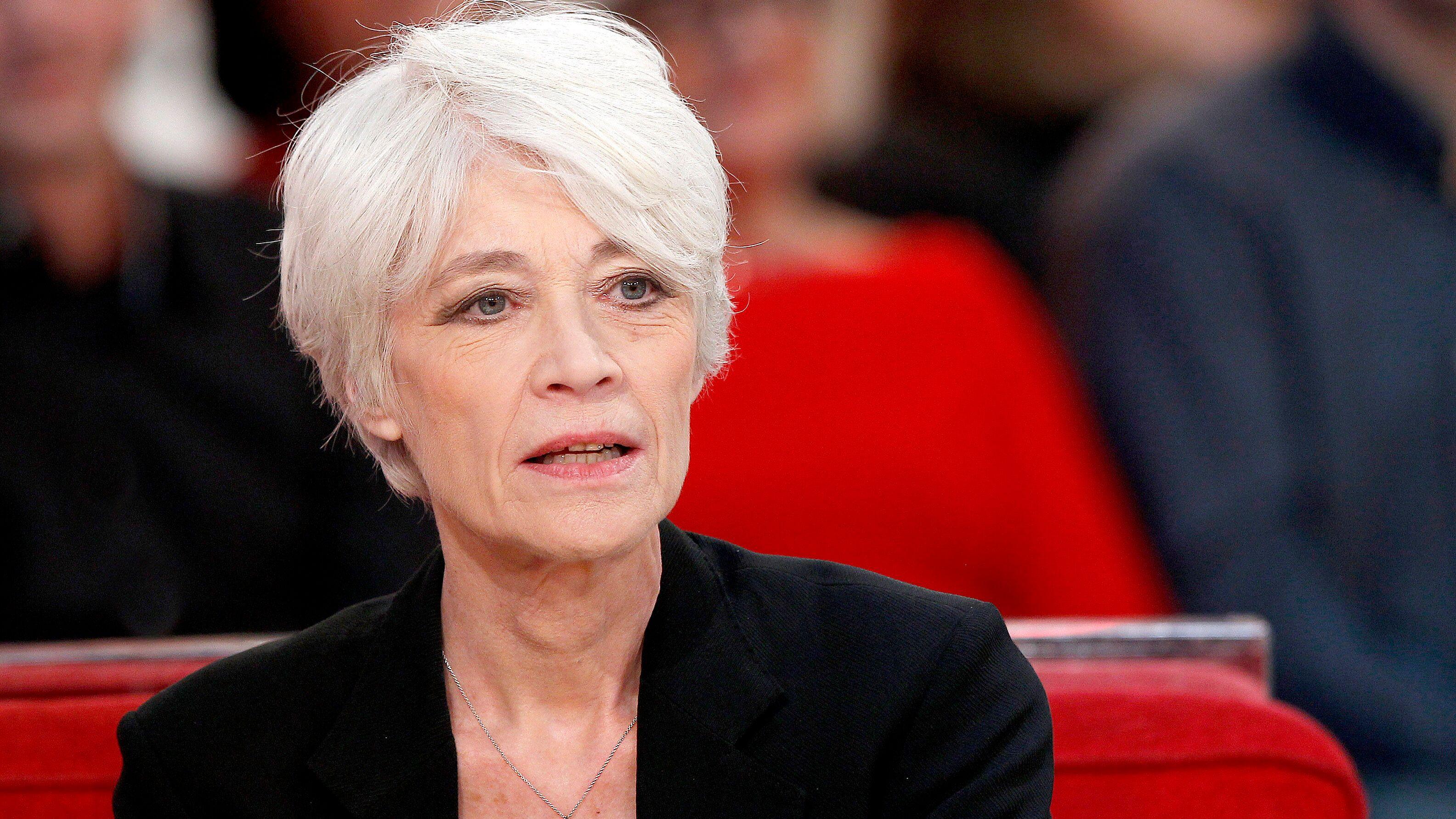 Françoise Hardy : comment la chanteuse a découvert son cancer du pharynx