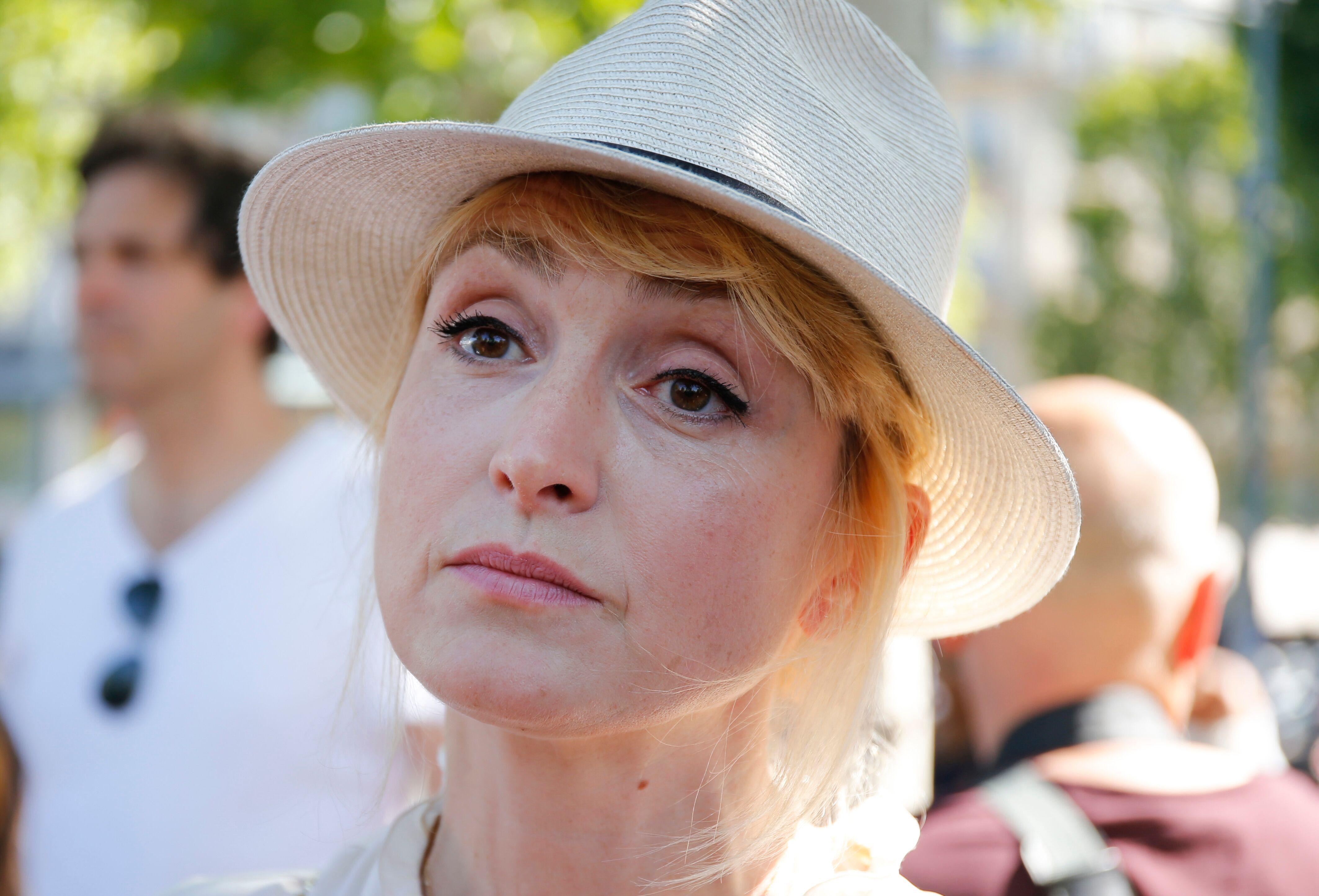 Julie Gayet jalouse de Brigitte Macron? L'actrice rêverait de prendre sa place