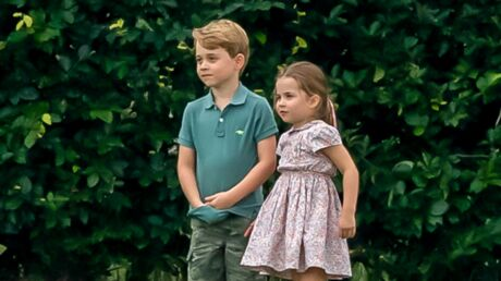 PHOTOS Duo complice, George et Charlotte jouent au football sous les yeux de Kate Middleton
