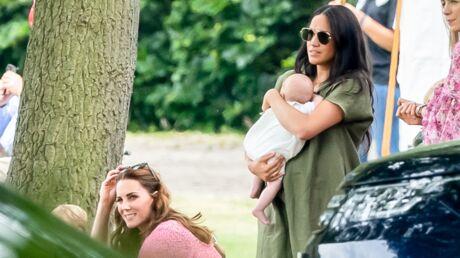 Kate Middleton et Meghan Markle étaient-elles volontairement distantes au match de polo de William et Harry?