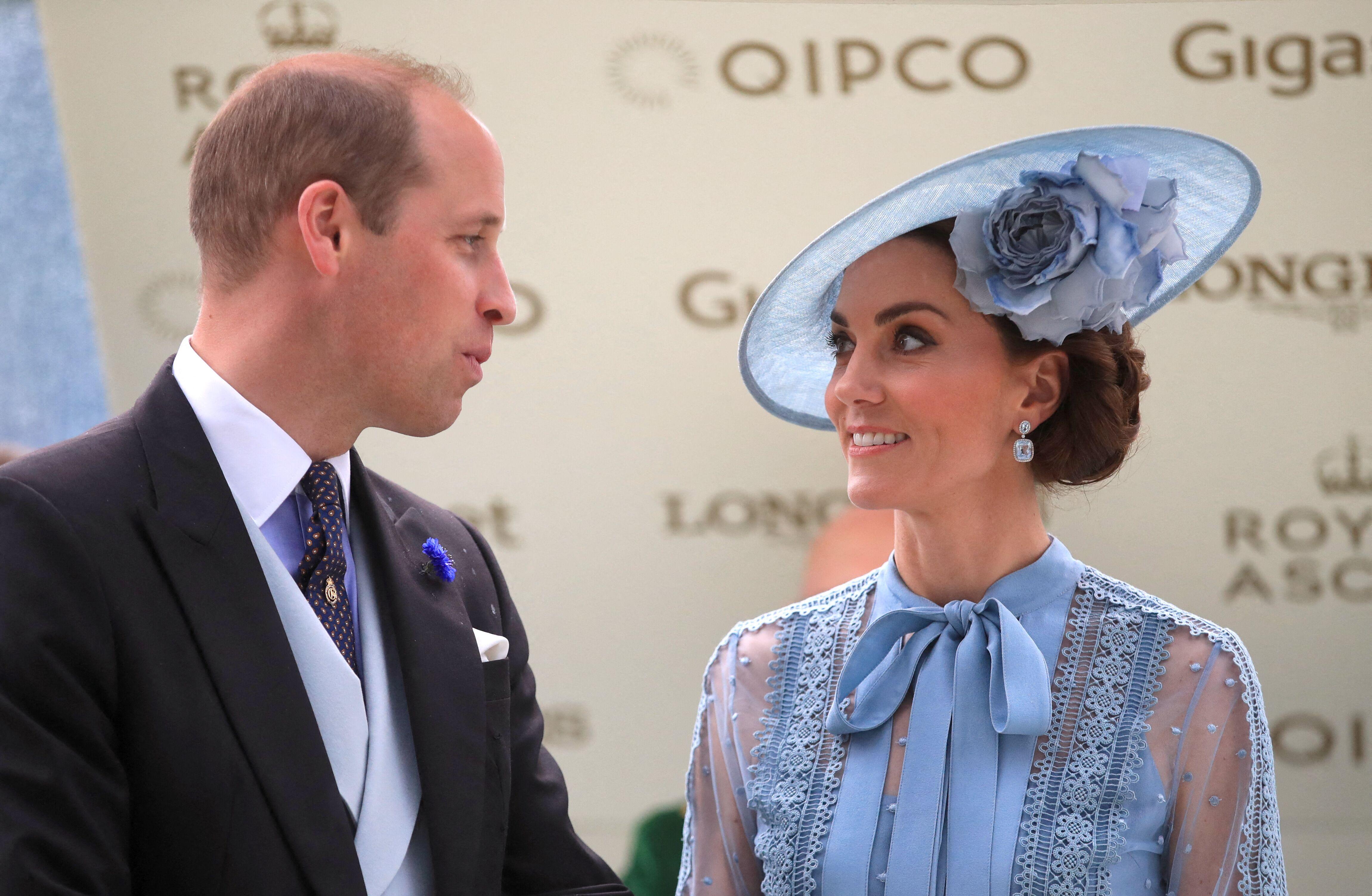 Prince William : comment il a protégé Kate Middleton lorsqu'ils étaient étudiants à Saint-Andrews