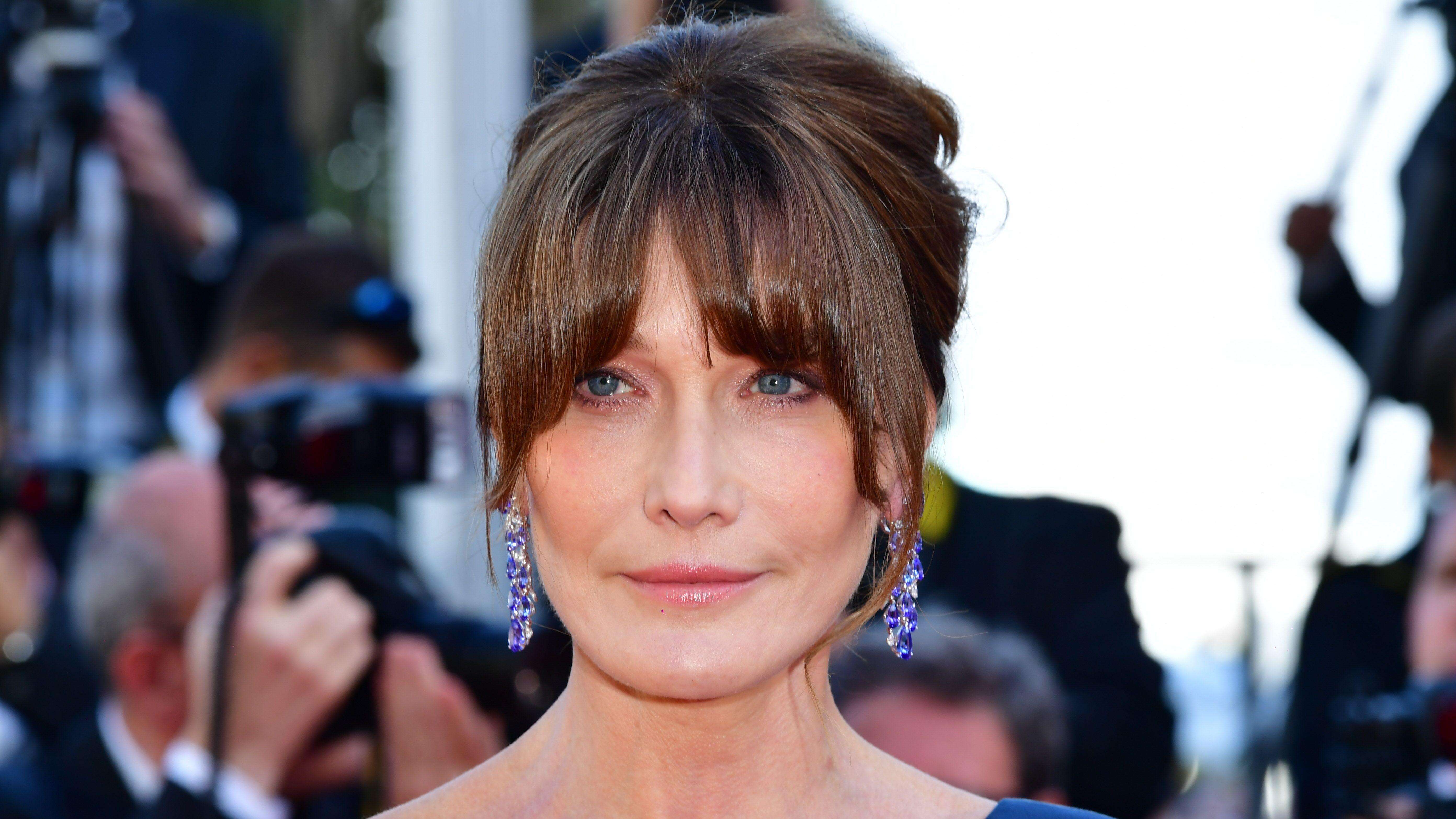 Carla Bruni : son violent tacle à François Hollande et Julie Gayet