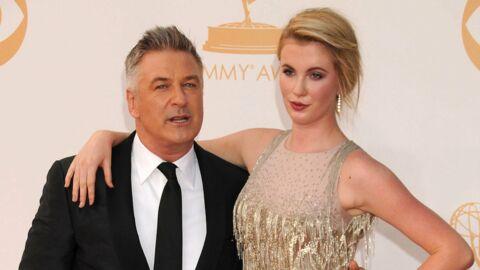 Ireland Baldwin: en string ficelle, la fille de Kim Basinger poste un étrange message et inquiète son père