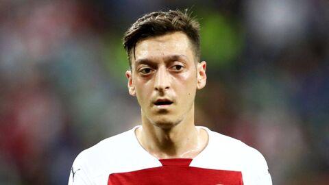 Mesut Özil: le footballeur allemand attaqué au couteau dans sa voiture, les images choquantes