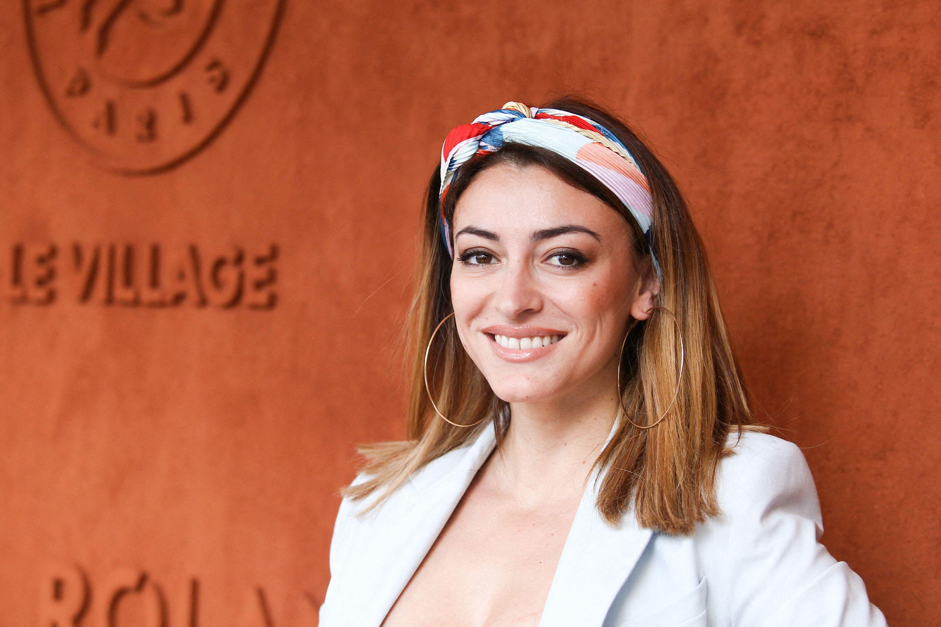 1f4d703b6b PHOTO Rachel Legrain-Trapani en surchauffe : elle contre la canicule de  manière très sexy - Voici