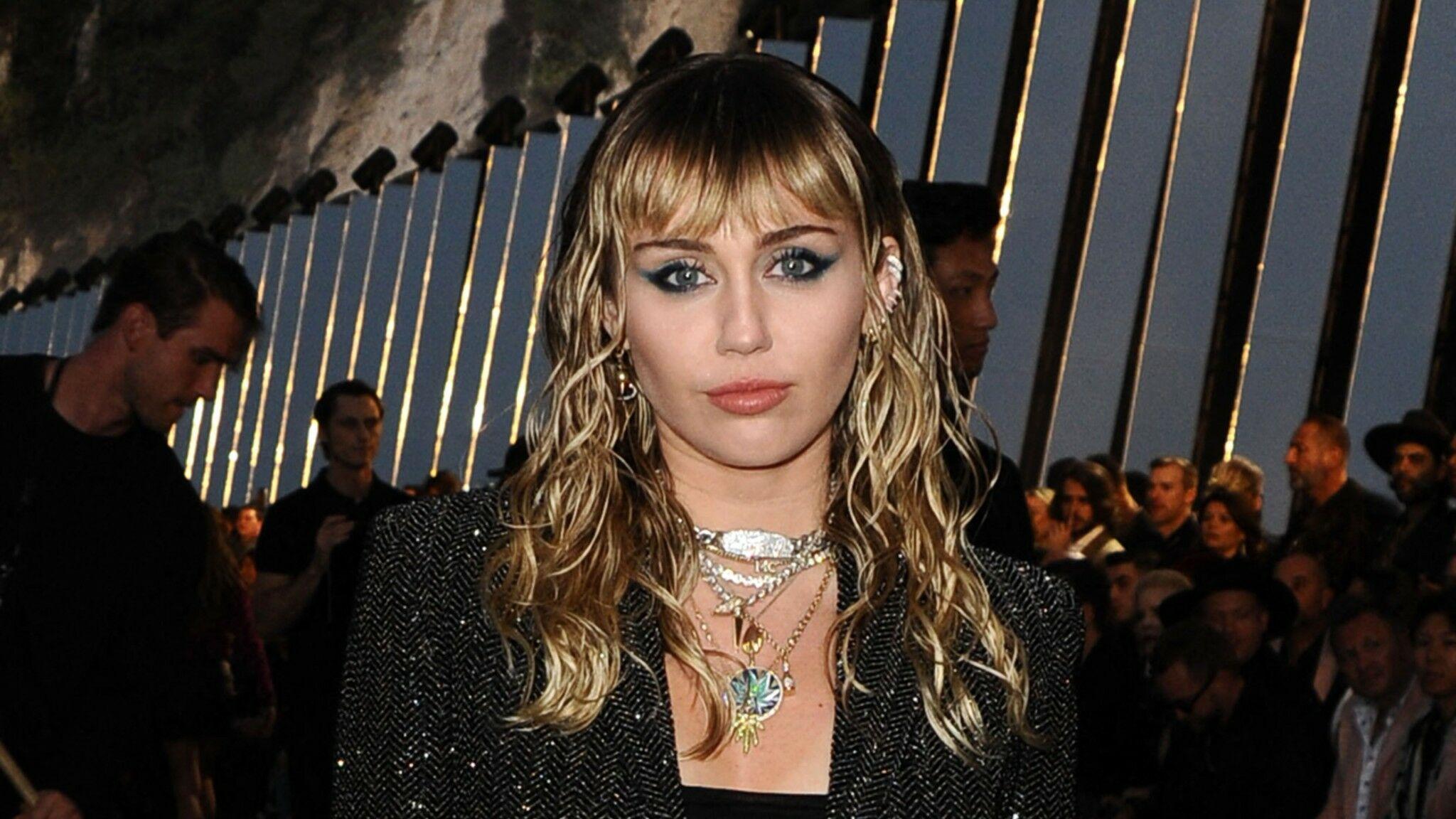 PHOTOS Miley Cyrus s'affiche en petite culotte sur Instagram