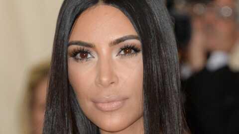 Kim Kardashian se prend en selfie avec des prisonniers