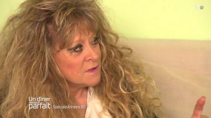 VIDEO Un Dîner presque parfait: Sloane fait craquer un candidat