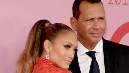 Jennifer Lopez fête l'anniversaire de son chéri Alex Rodriguez en lui faisant DEUX belles surprises!