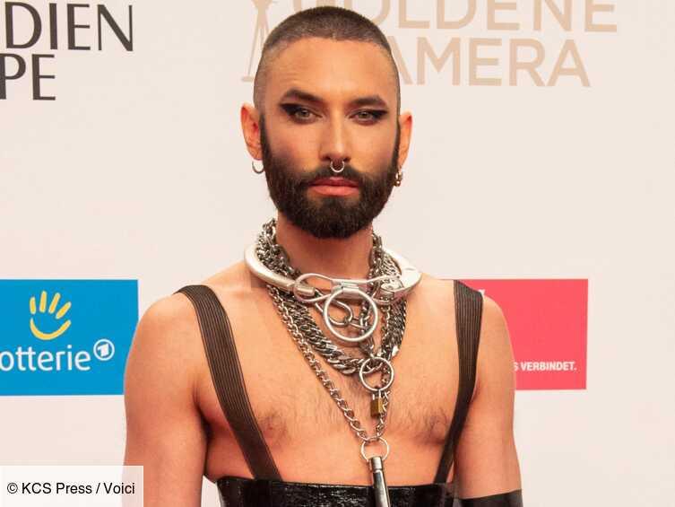 PHOTO Conchita Wurst provocante en body et bas résille : elle fait sensation à la Gay Pride d'Amsterdam