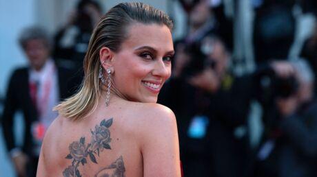 PHOTOS Scarlett Johansson éblouissante en robe (très) fendue à la Mostra de Venise