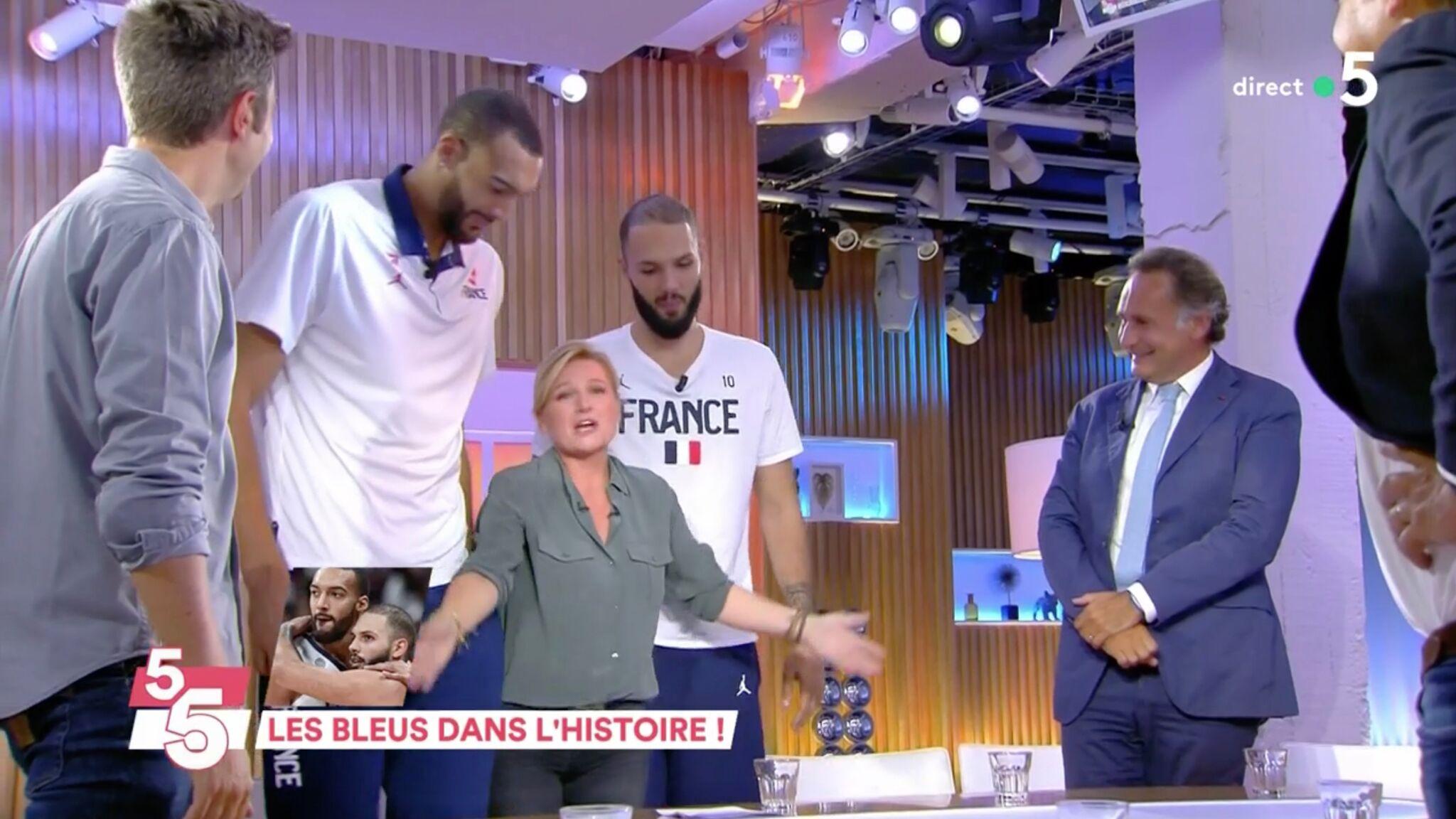 énorme réduction 45e49 03272 VOICI - VIDEO C à Vous : Anne-Elisabeth Lemoine choquée par sa différence  de taille avec des basketteurs français