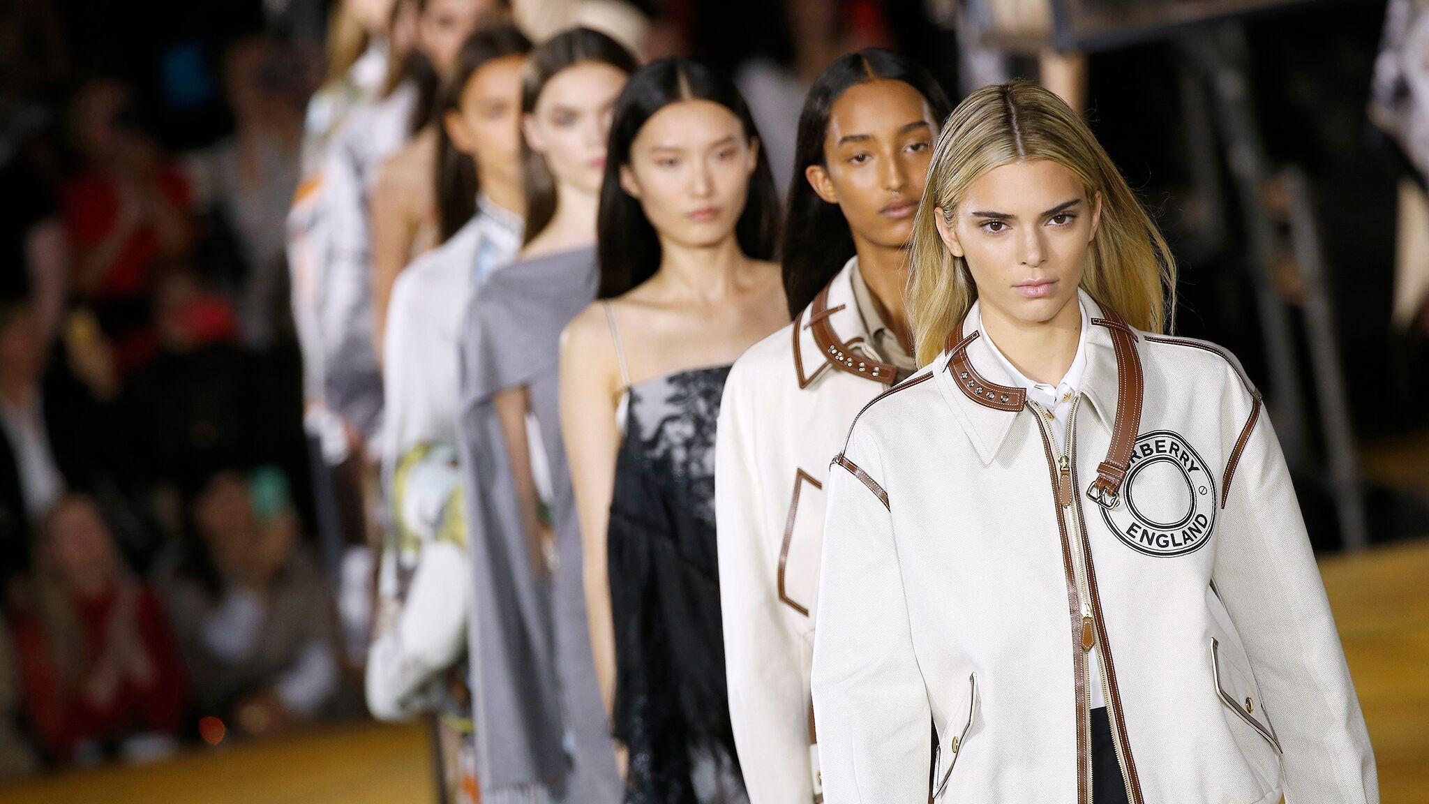 Fashion week de Londres : quels sont les défilés qui ont été les plus regardés?