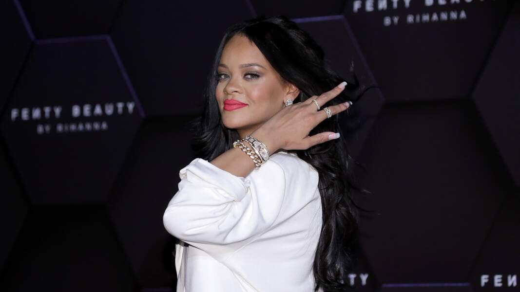 Rihanna à Séoul le 17 septembre 2019 dans un ensemble signé Jacquemus