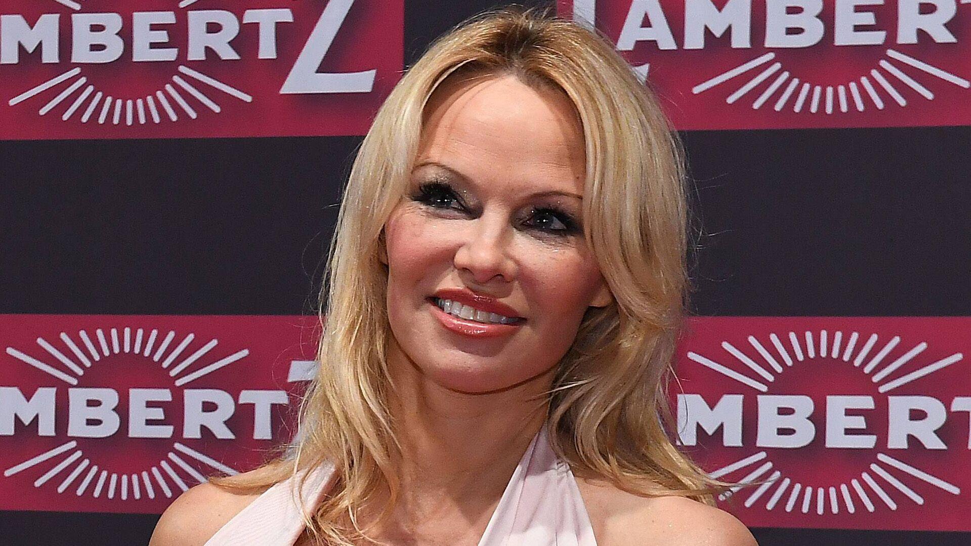 PHOTO Pamela Anderson entièrement nue, elle rend fous les internautes