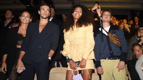 Fashion Week: Caroline Receveur opte pour un wet look canon lors du défilé Etam
