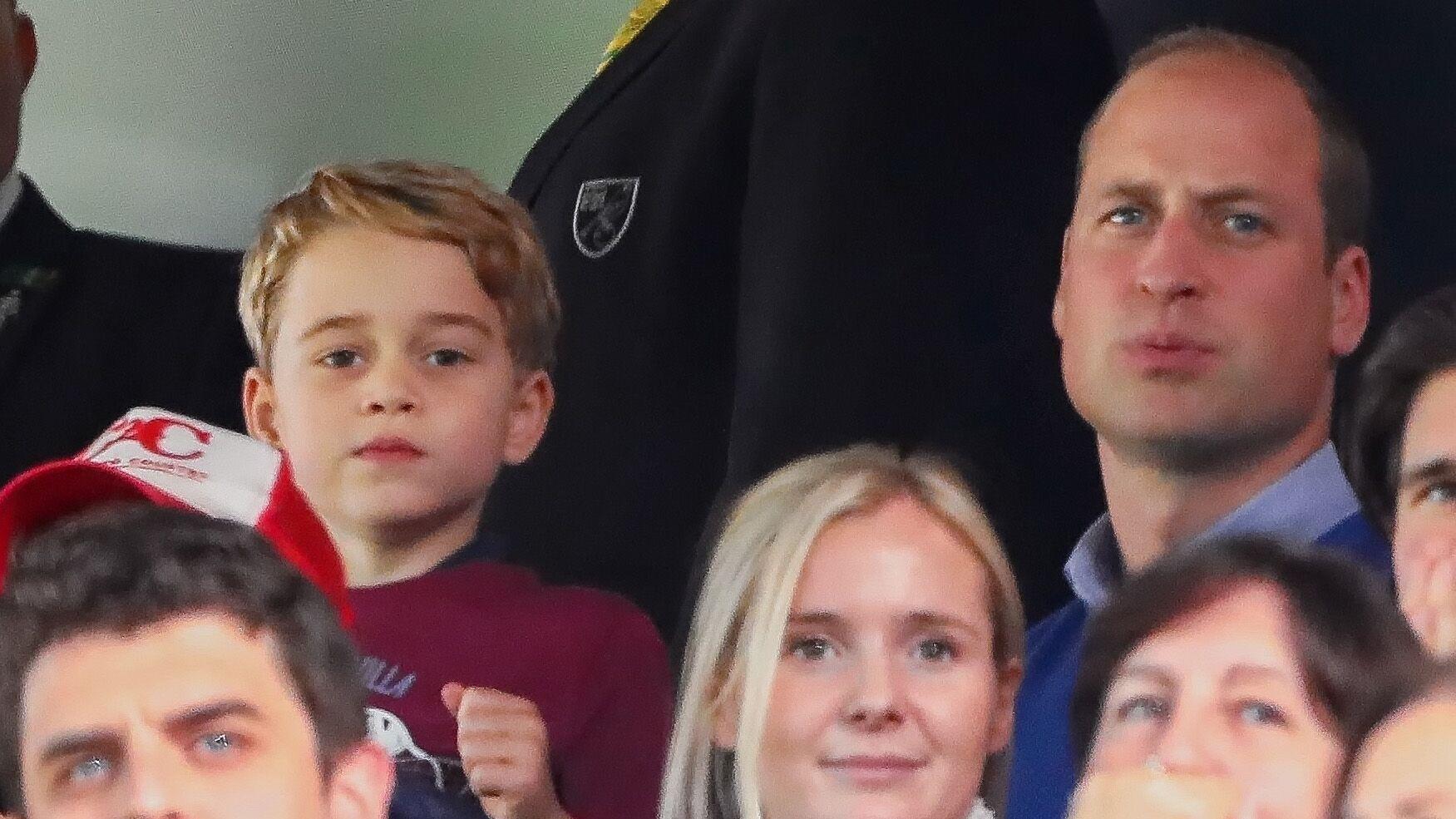 Le prince George trop heureux à un match de foot : pourquoi son papa William a dû rapidement le calmer
