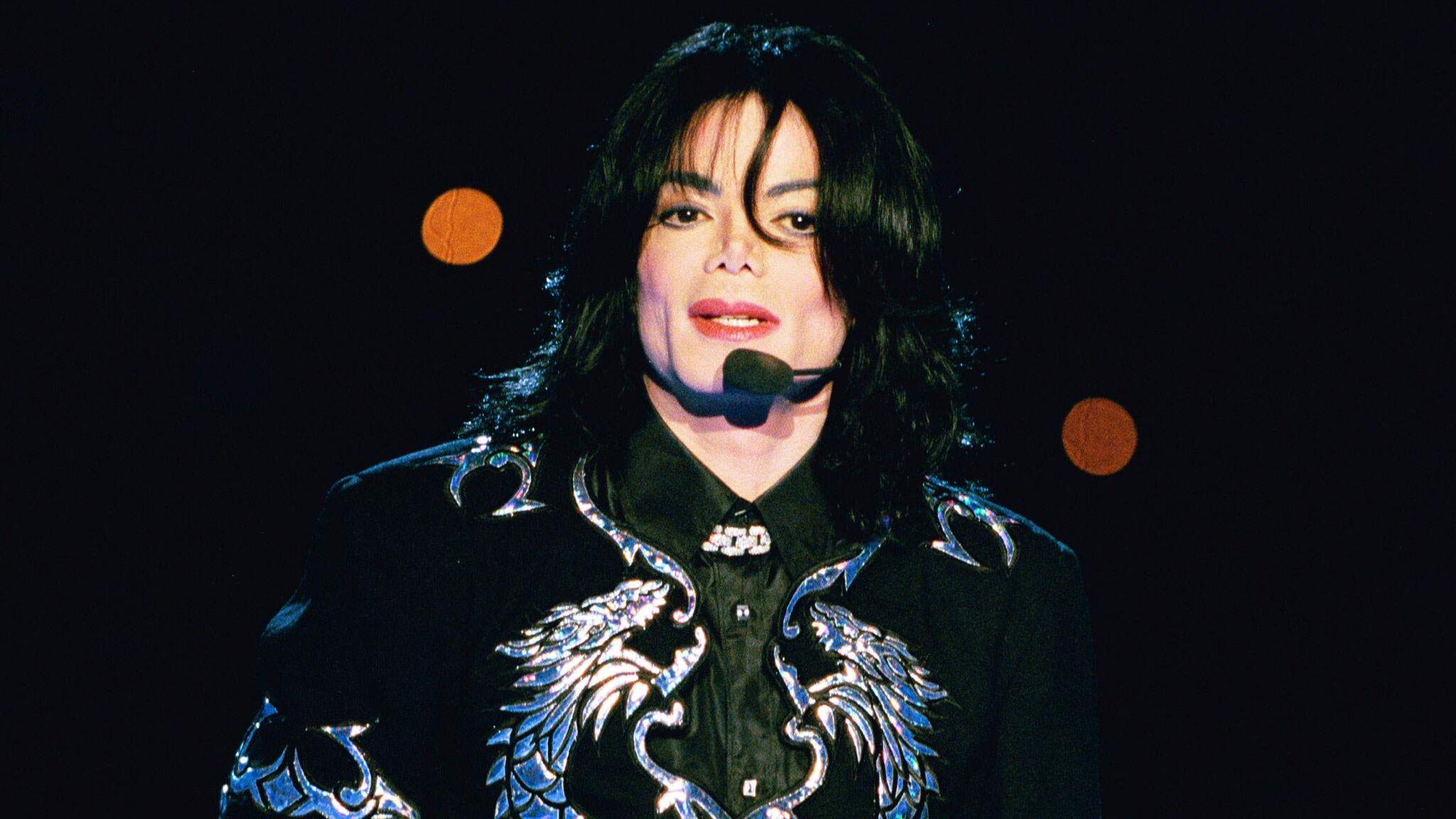 Elton John profère de violentes accusations contre Michael Jackson