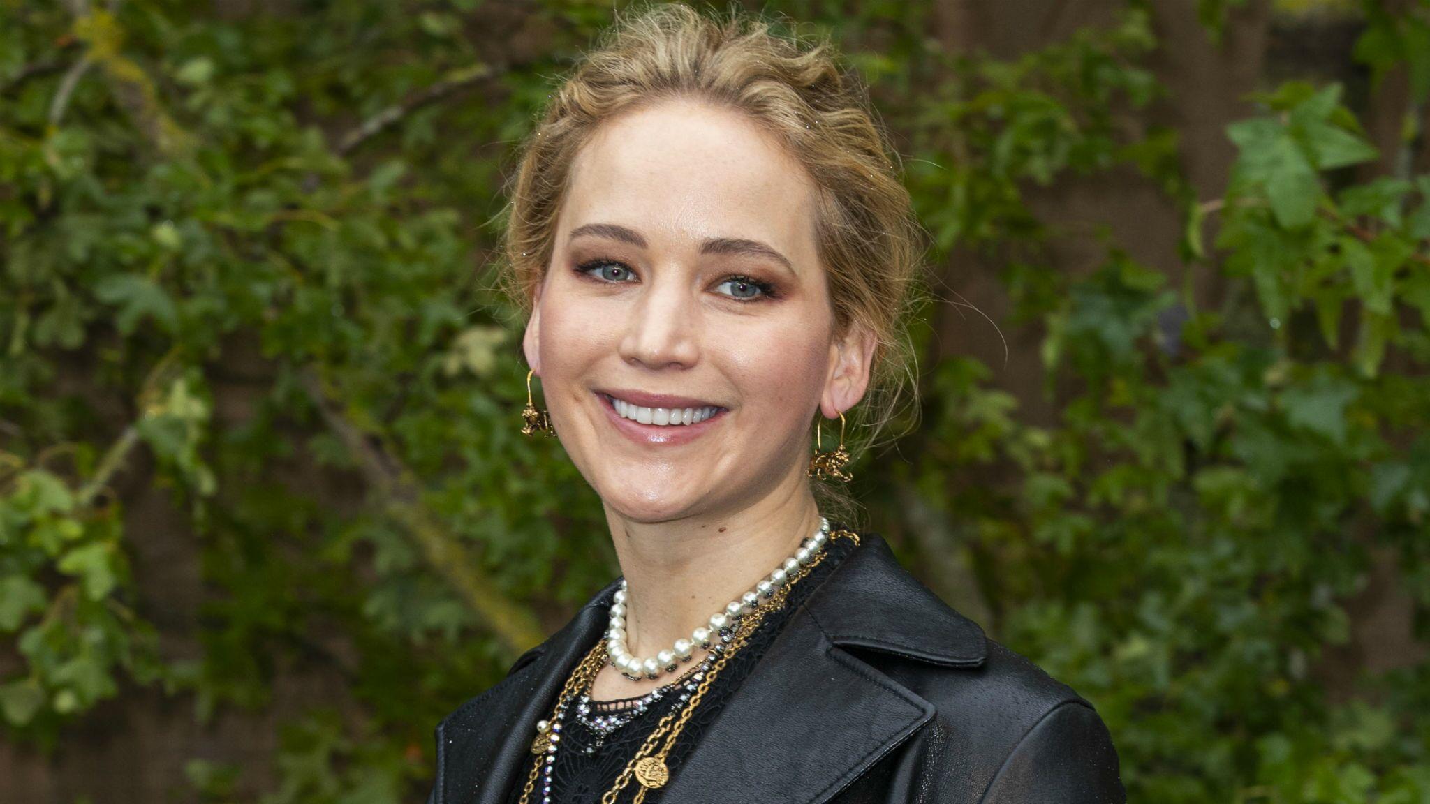 Jennifer Lawrence a épousé Cooke Maroney : un aperçu de sa robe de mariée dévoilé